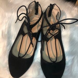 Adorable Old Navy Kids Lace Up Ballerina Flats!